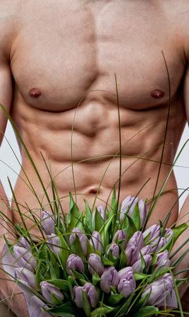 homme nu, homme sexy et fleurs, homme nu et fleurs, fleurs