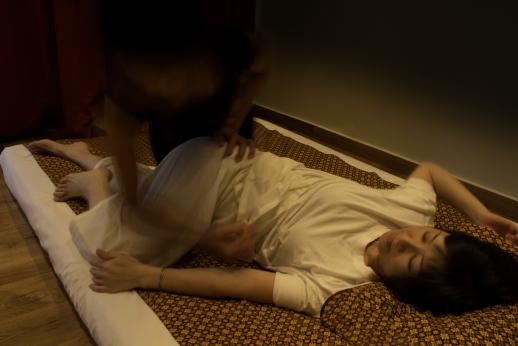 massages du monde so what. Black Bedroom Furniture Sets. Home Design Ideas