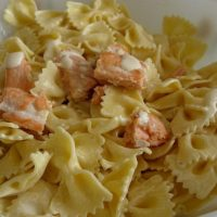 Pique-nique : salade de farfalles au saumon