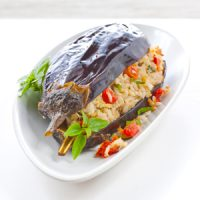 Aubergines farcies, Baba Ganousch, riz basmati, tomate séchée et basilic thaï