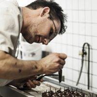 Portrait de Guillaume, un pâtissier méritant à Bordeaux