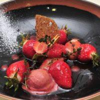 Fraises Gariguette rôties au thym citron, sorbet de fraise Gariguette