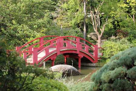 Pont de la lune Jardin japonais Toulouse© PierreSelim