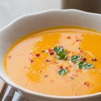 Soupe de carotte et feuilletés au sésame