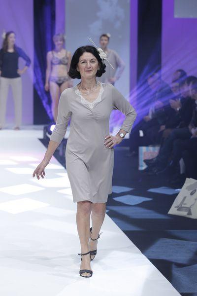 Défilé Amoena  femmes opérées du sein - salon de la lingerie Paris 3