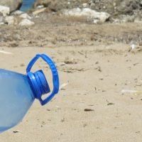 Des bactéries mangeuses de plastiques...