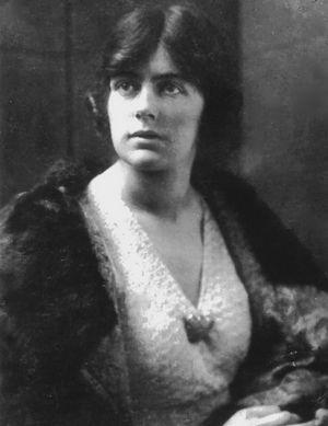 joan-lindsay-en-1924