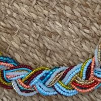 DIY : un collier en perles de rocaille tressé