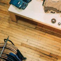Cherche styliste pour séance shopping ou vide dressing à Paris