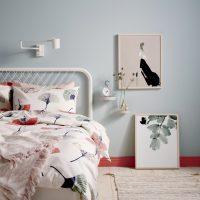 Tendance déco: living coral et gris dans la chambre