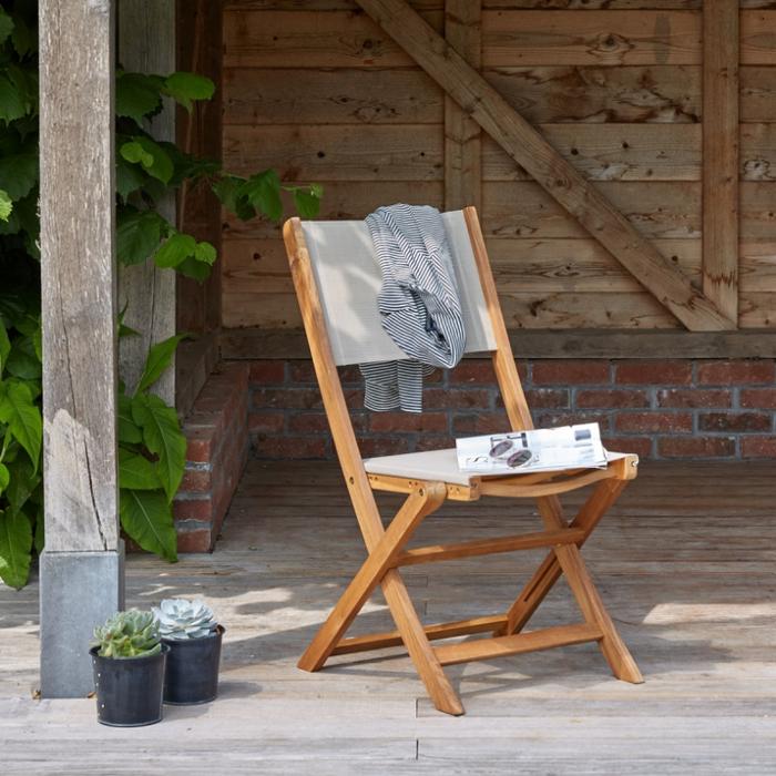 chaise en bois d'acacia fsc