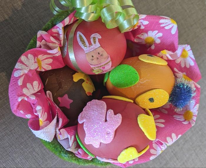 DIY spécial Pâques : décorer des œufs avec les enfants